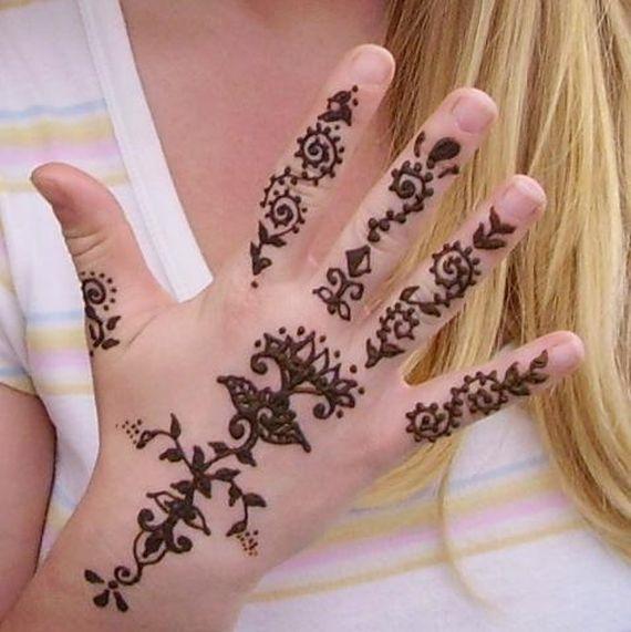 Modele tatuaje indiene cu henna - Modele de henna ...