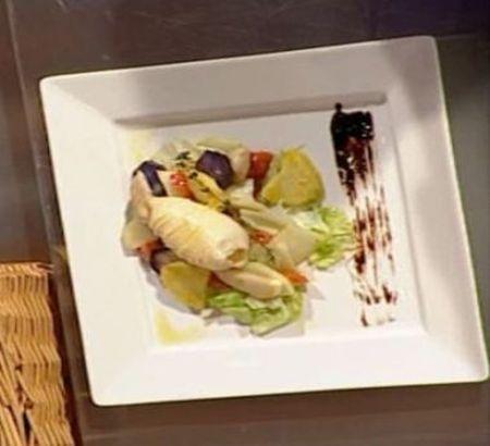 reteta-petru-buiuca-salata-calda-de-calamar-cu-radacinoase-si-duo-de-sosuri_size5