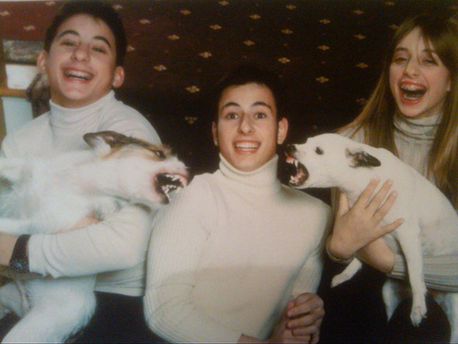 The-21-Most-Awkward-Family-Photos08[1]
