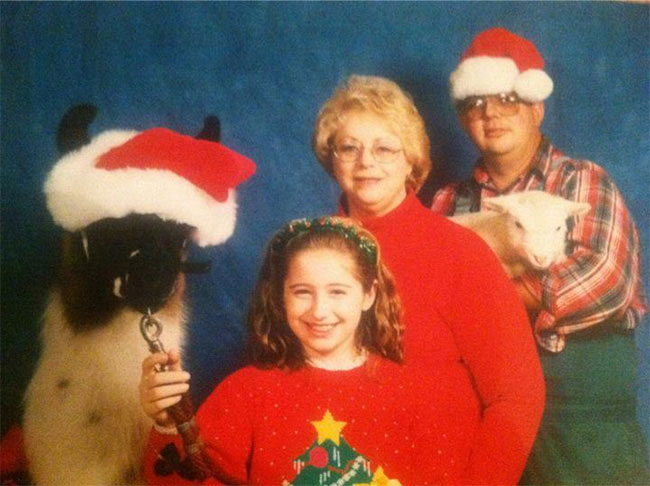 The-21-Most-Awkward-Family-Photos05[1]